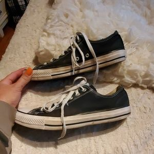 GUC Converse black low top sneaker shoes